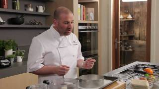 George Calombaris prepares cheesecake Thumbnail