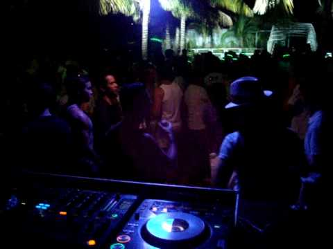 DJ Laurize - Fun @ Pool Party