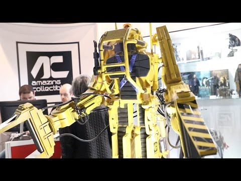 A Power Loader Replica at COMIC CON Portugal and lots of cosplayers