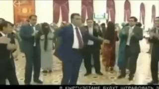 танцы депутатов