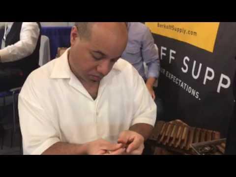 طريقة لف السيجار الكوبي الفاخر Cuban cigar winding way