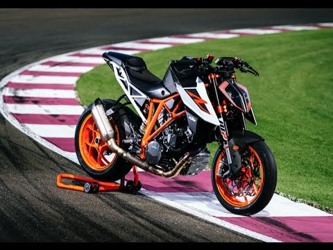 2017 ktm 1290 super duke r full test cycle news youtube. Black Bedroom Furniture Sets. Home Design Ideas