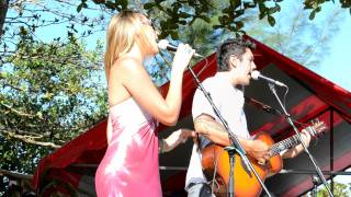 Colbie Caillat ft Justin Young - Brighter than the sun (Live @ Teahupoo - Tahiti)
