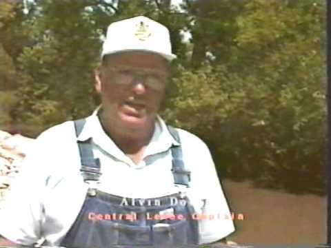 Saving Ste. Genevieve: A Doumentary of the Flood of 1993 ((orignal 1993 film))