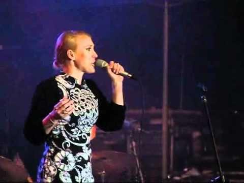 """""""Miłość"""" - Aga Zaryan live - Święto Saskiej Kępy 2010"""