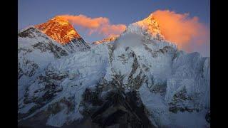 Rozstawili je na szczycie Everestu. Niewiarygodne, co odnotowały
