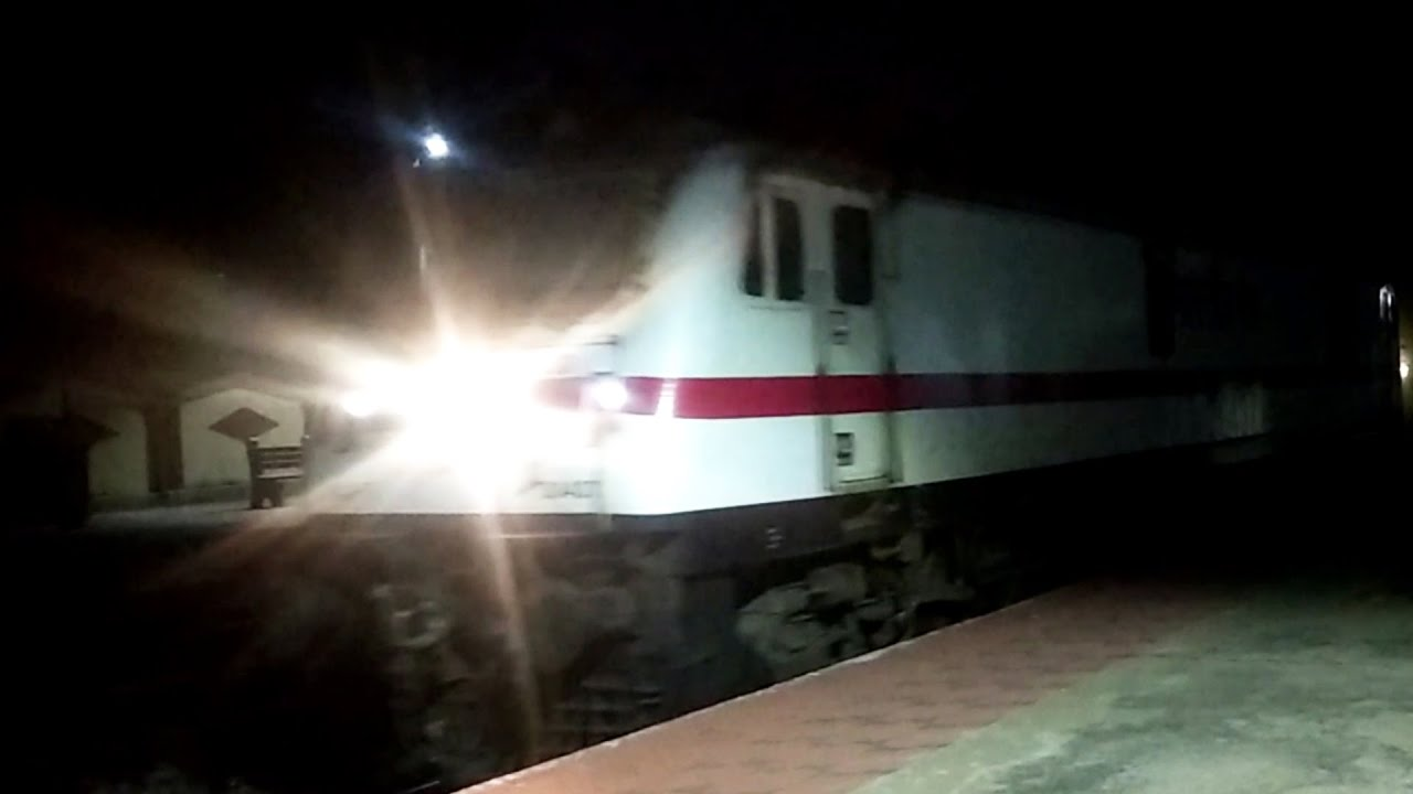 Amazing Chuk Chuk Gadi Train Night Journey Videos | Train Videos | Rajdhani Express and Locomotive