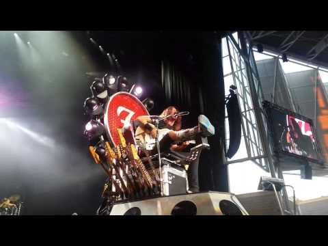 Foo Fighters Toronto 2015 FRONT ROW - Everlong - Broken Leg Tour @ Molson Canadian Amphitheater
