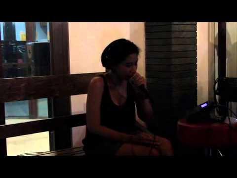 Amanda - Sunshine, live at Ardan Radio Bandung