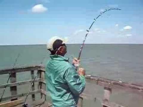 Fishing in texas city youtube for Texas city dike fishing