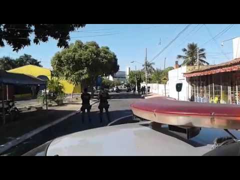 Assalto com reféns - Bandidos se entregam depois de 9h de negociações - Veja fotos e vídeo