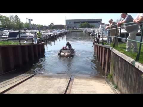 Ben Pon Barndoor Gathering 2014 - Schwimmwagens