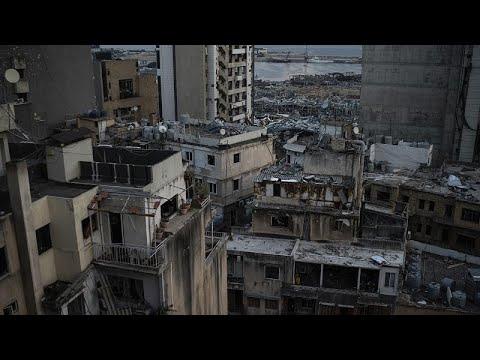 شاهد: طائرة مسيرة تصور الدمار الواسع في بيروت بعد انفجار المرفأ …