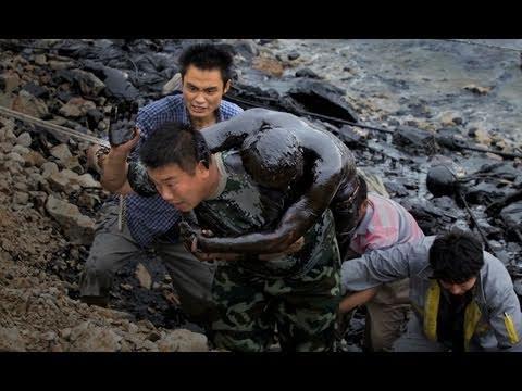 Through the Lens: the Dalian Oil Spill