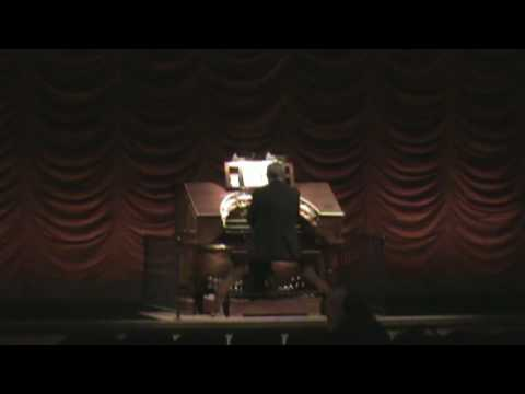Bill Taylor - The Mighty Wurlitzer Organ - Stanford Theater, Palo Alto, California, May 2009