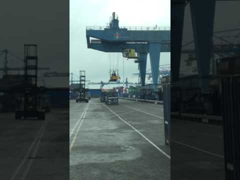 Rotterdam short sea terminal  RST Zuid/South Gate 5 / lane 3 / 144