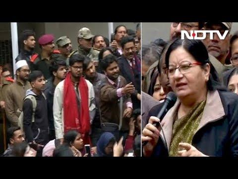 Jamia V-C Speaks To Protesting Students