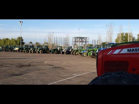 Agricultores cordobeses acuden a Córdoba a ayudar a desinfectar las calles