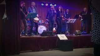 Le TLC Band - I'm Still Standing (bal du 14 juillet)