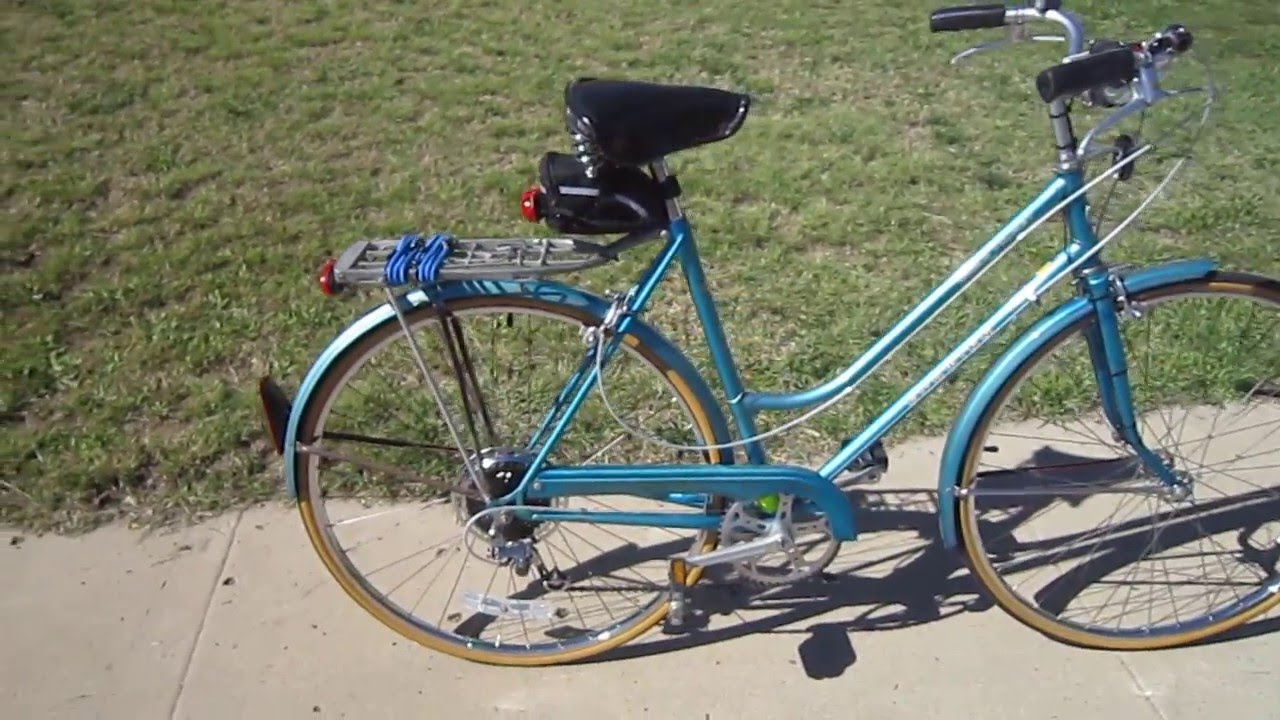 1981 Schwinn World Tourist 5 Speed Walkaround Youtube