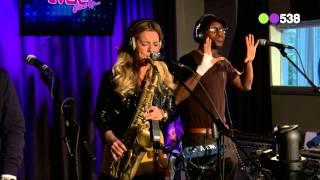 Candy Dulfer - Full Moon (live bij Evers Staat Op)