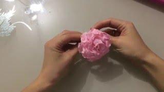 Роза из гофрированной бумаги своими руками. Мастер-класс.(Мастер-класс по изготовлению розы из гофрированной бумаги для декора., 2016-01-10T12:56:52.000Z)