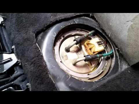 Como trocar a bomba de combustível do carro
