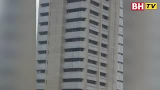 Tangki air atas bumbung Kompleks Teruntum pecah thumbnail