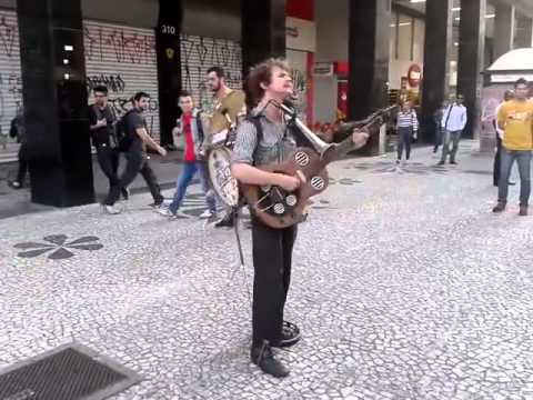 Amazing One Man Band   Mr Orkester in Curitiba