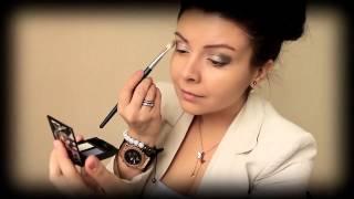 видео Вечерний, деловой и красивый макияж в домашних условиях