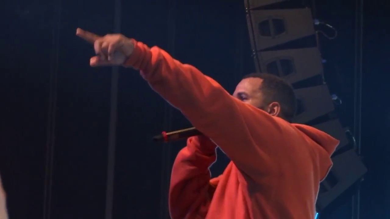 The Game - Hate It Or Love It (Live) - YouTube