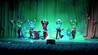 8 А класс - Цыганский танец (Осенний бал 2018 ЦГ СОШ)
