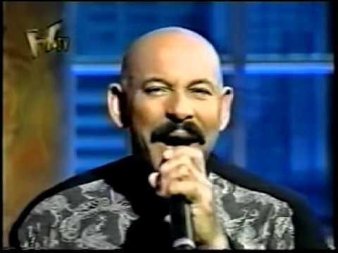 Oscar D'Leon LLoraras  la mejor salsa de todos los tiempos para bailar