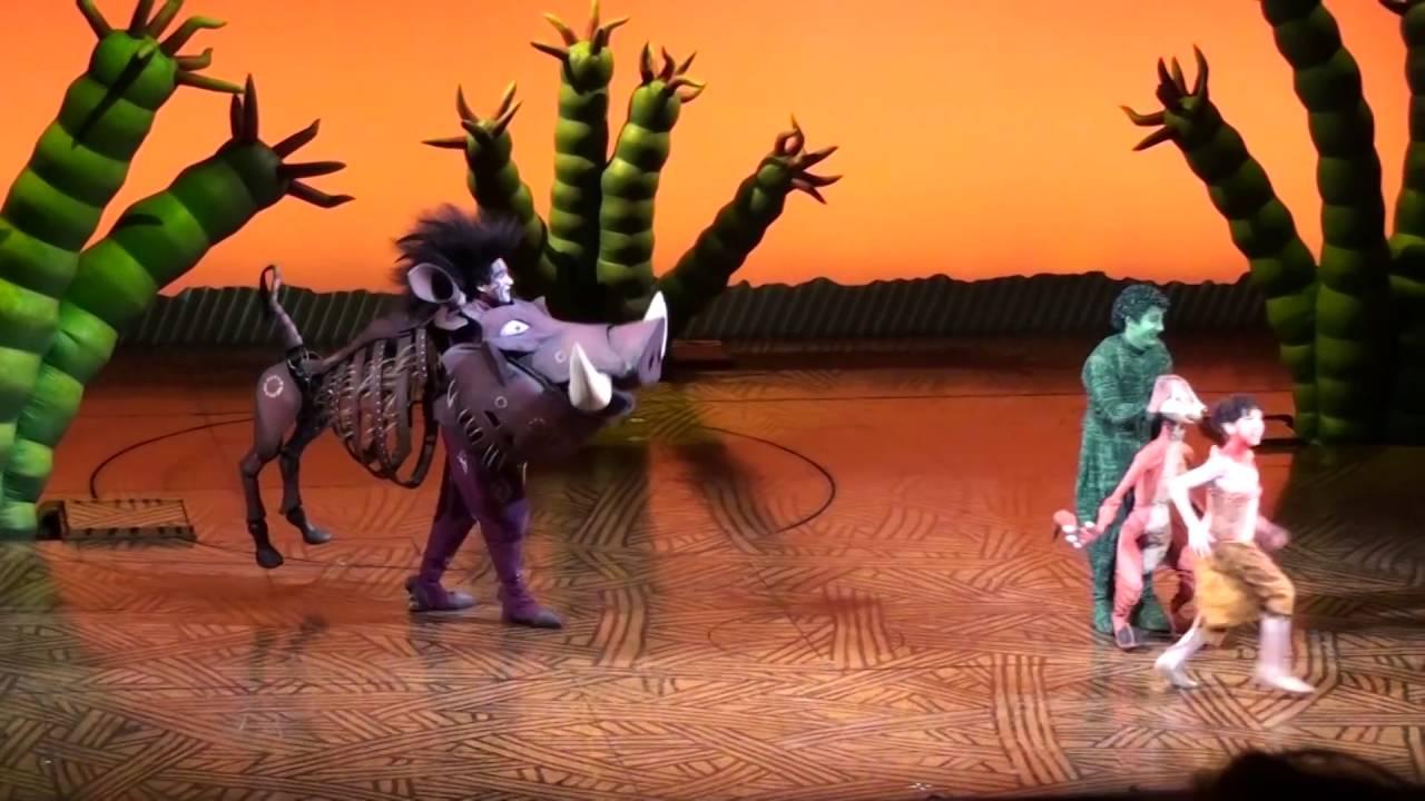 el rey le u00f3n el musical madrid  escena hakuna matata