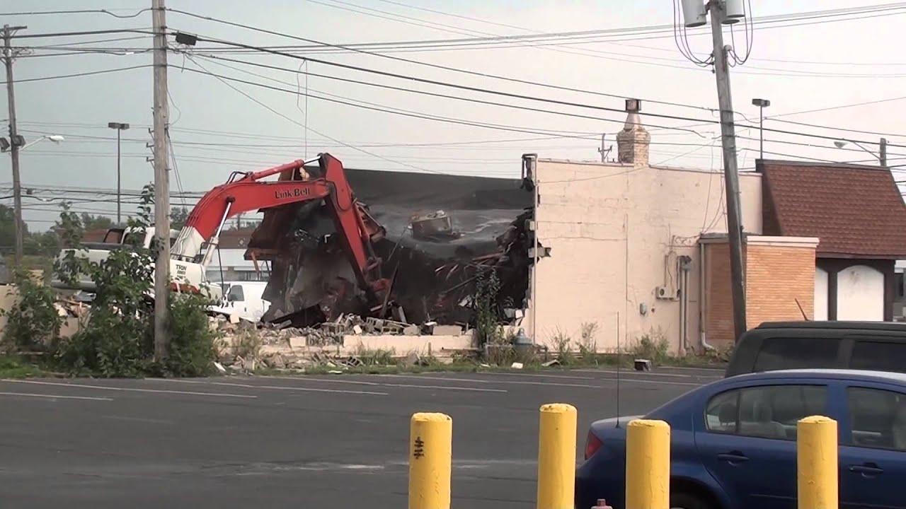 Marcals Restaurant Middleburg Heights Demolition August 21 2017
