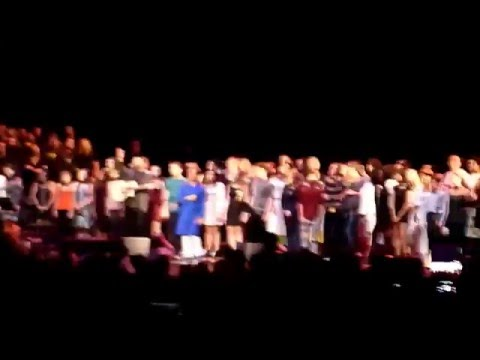 David Bowie Tribute - Choir! Choir! Choir!...