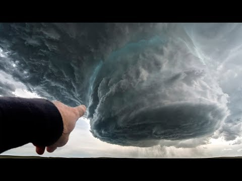 20 EPIC TORNADOES CAUGHT ON CAMERA