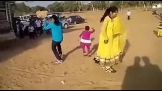 Hot Desi girl dance on dj with marwadi song