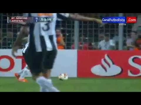 Gol De Ronaldinho @ Atletico Mineiro VS Arsenal (Copa Bridgestone Libertadores 2013)