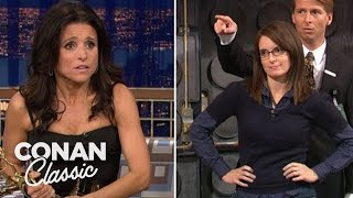 """Julia Louis-Dreyfus Steals Tina Fey's Emmy - """"Late Night With Conan O'Brien"""""""