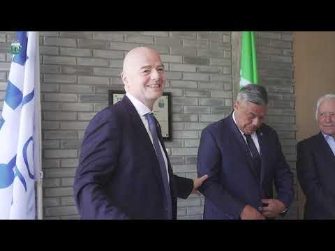 #SelecciónMayor El presidente de la FIFA, Gianni Infantino, visitó la casa de la Selección Argentina
