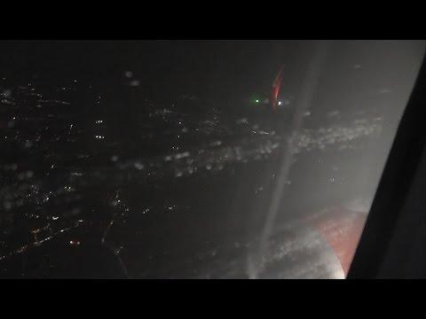 **STORMY TURBULENT** Bad Weather Landing at Düsseldorf Airport Airberlin B737 800 D-ABMV