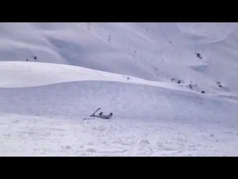 Caidas de risa, Accidente de Esquí Gracioso pero hot en cámara lenta
