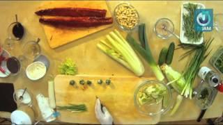 Азиатская кухня  Салат с угрем и сыром Филадельфия под ореховым соусом