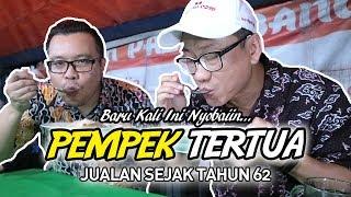 PERTAMA KALI NYOBAIN PEMPEK PALEMBANG PALING TUA DI JAKARTA!!! INDONESIAN STREET FOODS - Stafaband