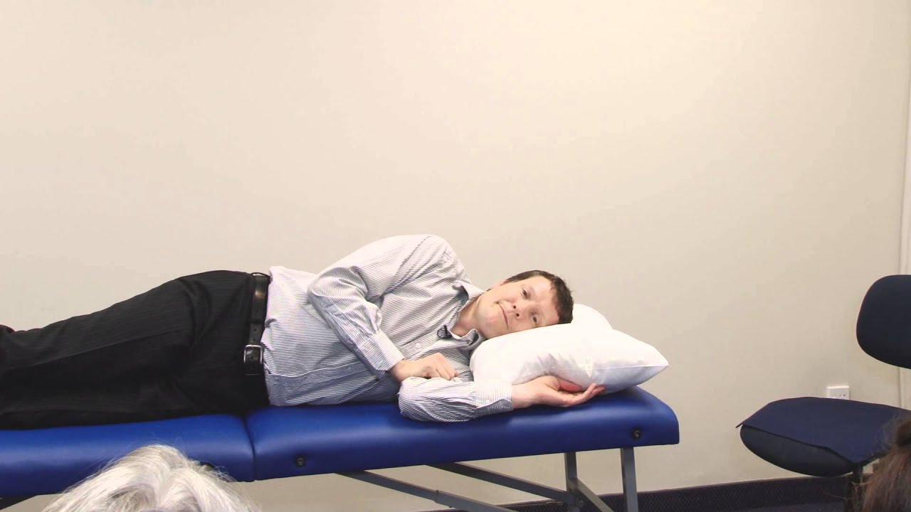 how to correctly use the original cervical roll relieve neck pain while sleeping