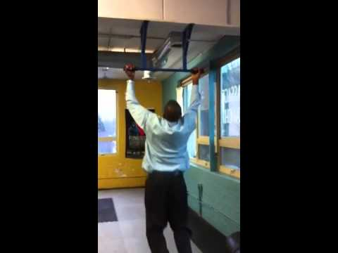 Exclusive!!   Prison Consultant John Fuller on the pull up bar!!