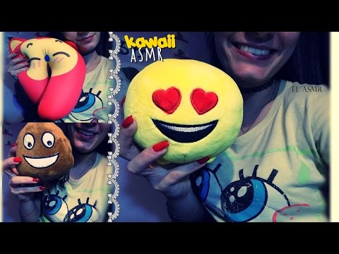 ASMR (italian♥) Intense Whispering & Kawaii objects (squishing pillow, scratching) ♡