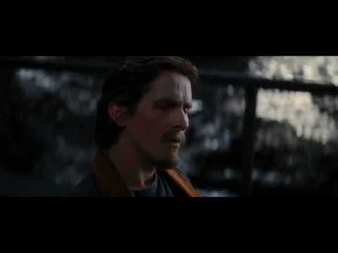 Трогательный момент из фильма Тёмный рыцарь: Возрождение легенды