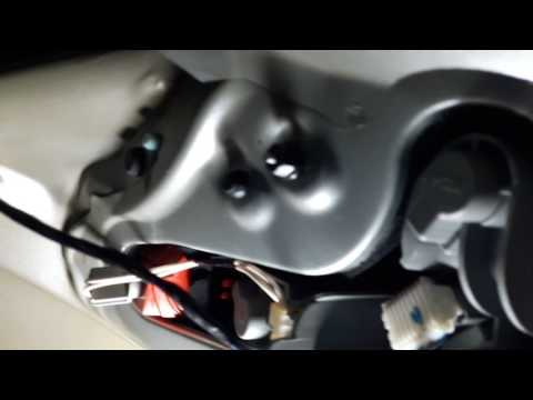 Как снять заднюю фару на toyota auris How to remove a taillight on a toyota auris